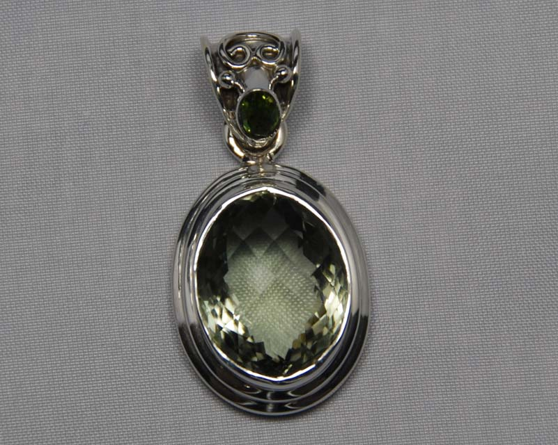 in amethyst eleganza a sterling set green diamond products pendant bezel once enhancer upon gold